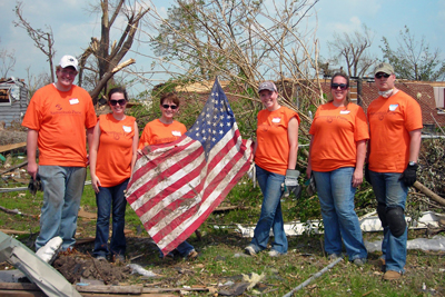 UMSL volunteers in Joplin, Mo.