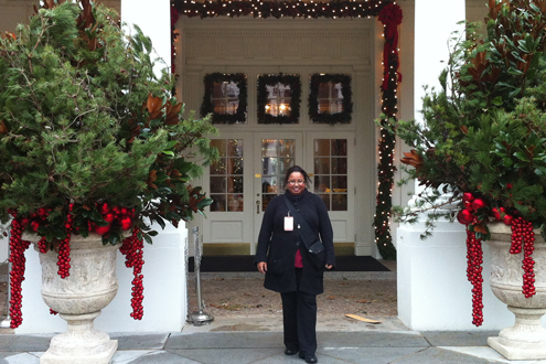 Umsl S Own Helps Decorate White House For Holidays