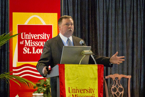 UMSL alumnus George Paz, BSBA 1982, chairman and chief executive officer at Express Scripts