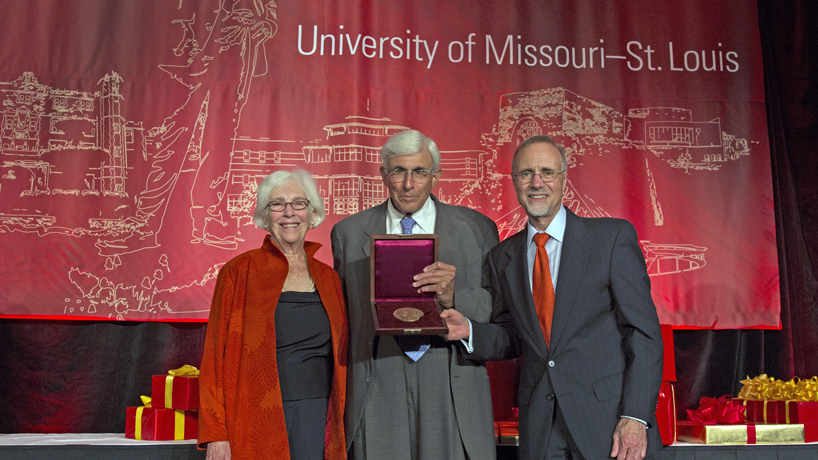 Lee Medal honors supporters of unique media merger