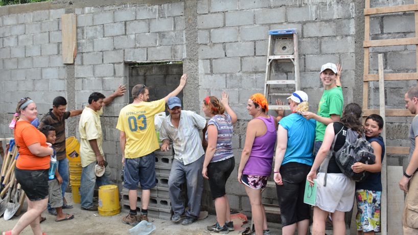 Newman Center group builds home, relationships during crowdfunded effort in Nicaragua