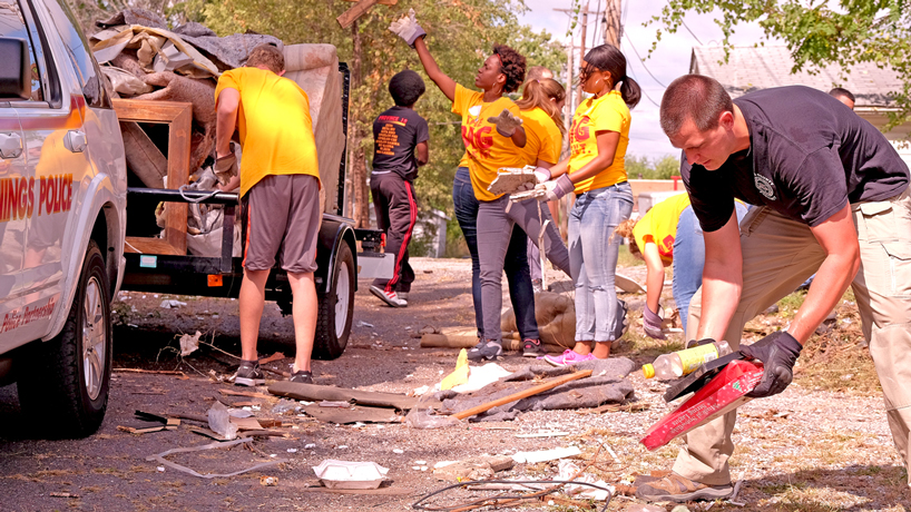 Student volunteers assist neighboring community during Big Event service project