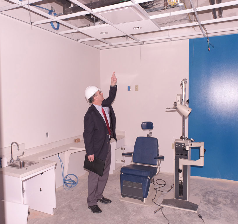 patient_care_center_mock_room-818