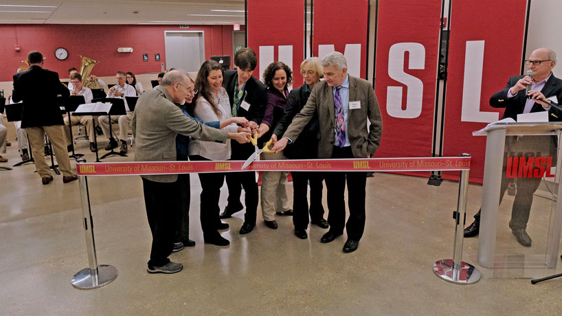 Science Learning Building grand opening celebrates new labs, closer coffee