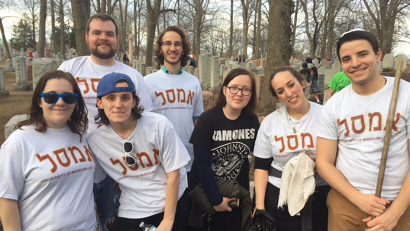 UMSL students join in cleanup efforts at Chesed Shel Emeth Cemetery