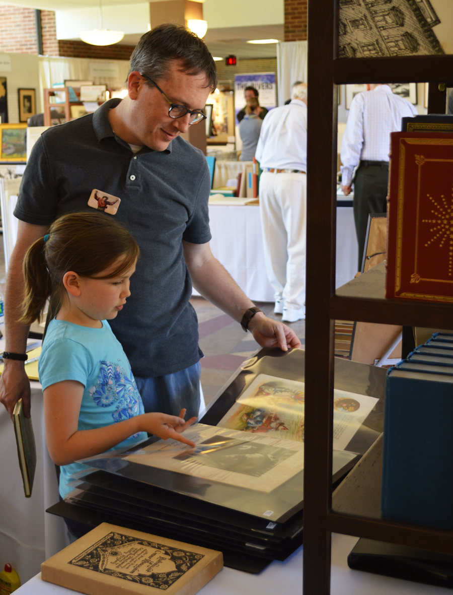 Joel Minor and daughter at St. Louis Print Fair