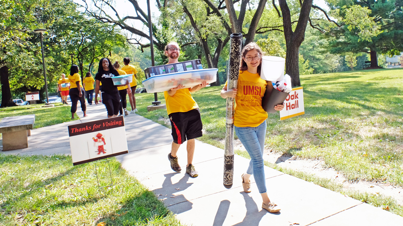 Flurry of new students and energy in the spotlight during UMSL's Move-In Day