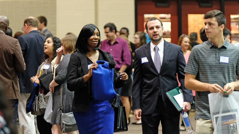Students, alumni make connections at annual Internship & Job Fair