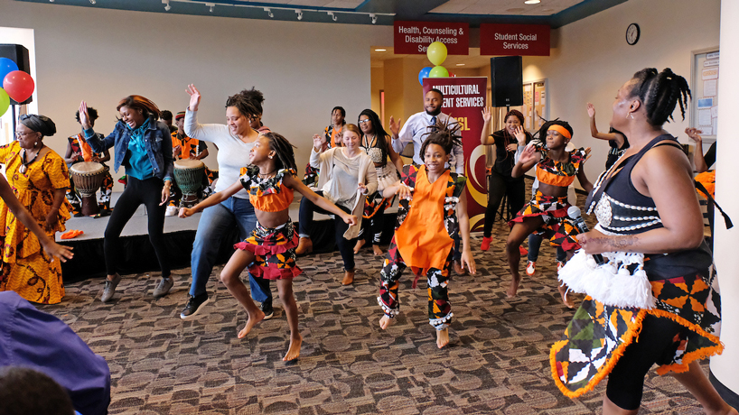 Eye on UMSL: Cultures in step