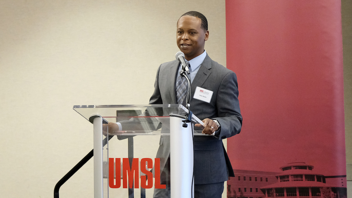 UMSL honors six alumni at annual Salute to Business Achievement Awards