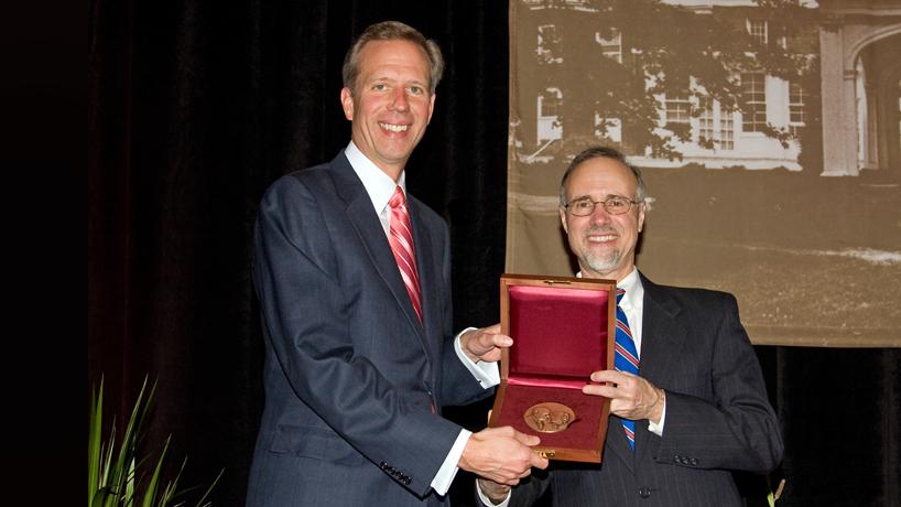 Business alumnus Tom Santel named executive director of Civic Progress