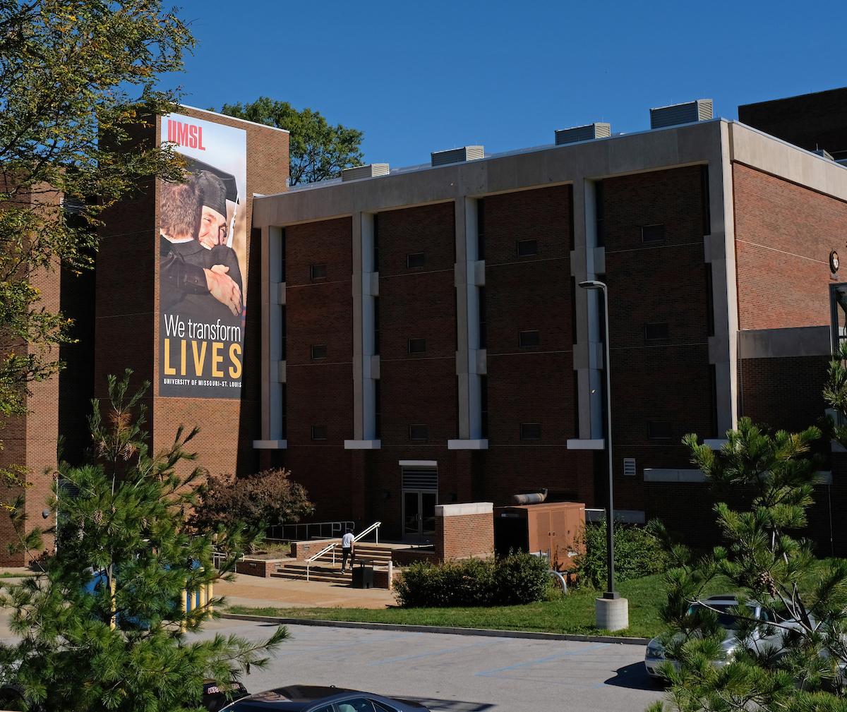 Benton Hall exterior