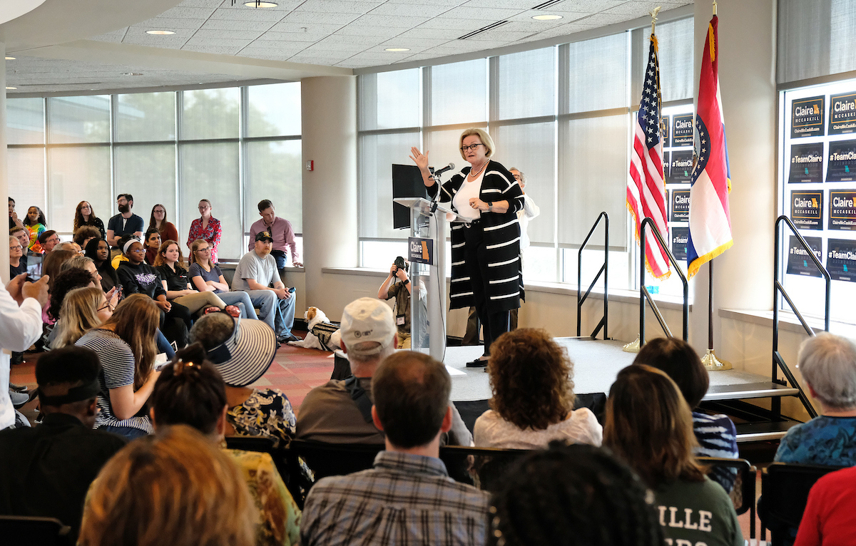 UMSL political scientists help media set stage for anticipated midterm election