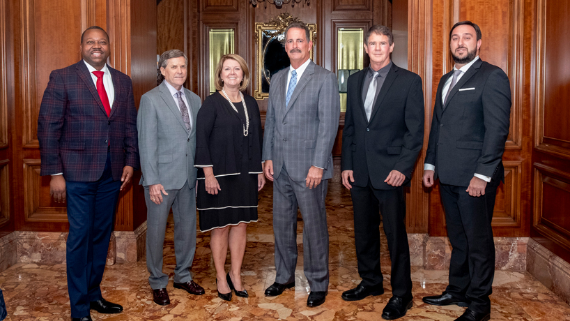 UMSL celebrates six distinguished alumni at annual Founders Dinner