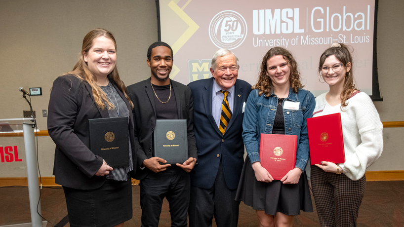 Pair of UMSL students earn Bond International Scholars Awards to study abroad