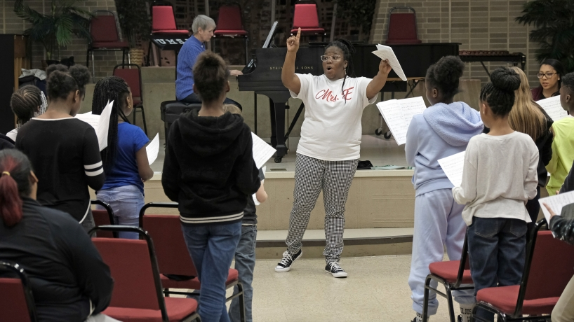 'Back where I started': Alumna Maria A. Ellis forms children's choir on UMSL campus