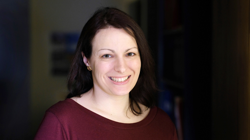 Stephanie Van Stee examines mixed messaging in pharmaceutical advertising with AEJMC grant