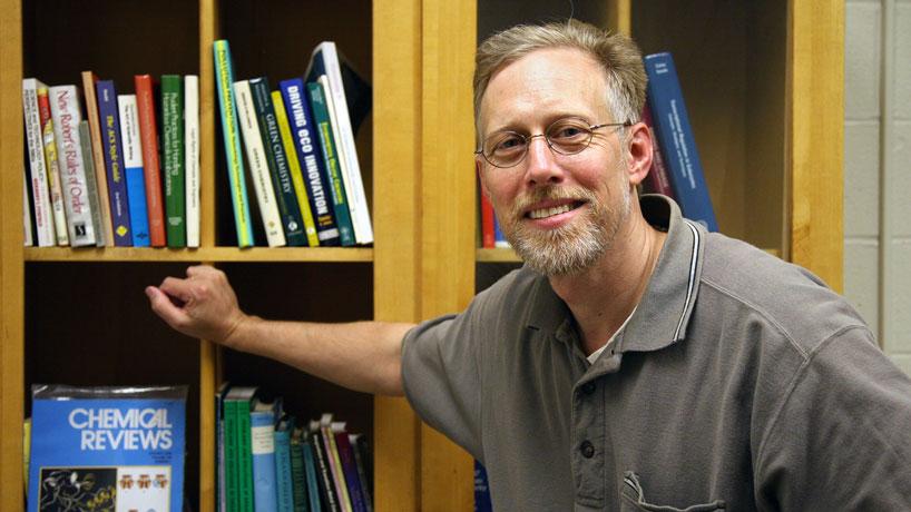 Professor James Bashkin talks PPE, antiviral treatments and green chemistry on Scientific Sense podcast