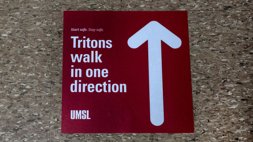 Tritons walk in one direction
