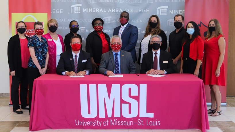 UMSL-MAC articulation agreement signing ceremony